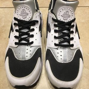 Men's Nike Air Huarache Shoes Size 9.5